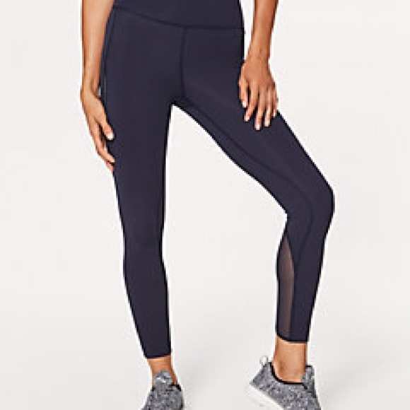 "Lululemon Size 4 Pace Perfect Tight 25""in Midnight"